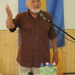 Udvaros Béla, rendező, az Evangélium Színház alapító igazgatója